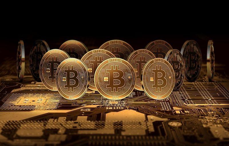 ورود بانک مرکزی به مساله ارزهای دیجیتالی به اقتصاد کشور کمک میکند