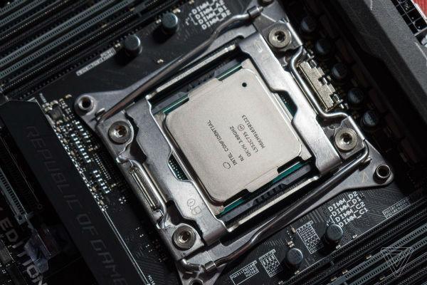 پاداش ۲۵۰ هزار دلاری مایکروسافت برای یافتن باگ های مشابه Meltdown و Spectre